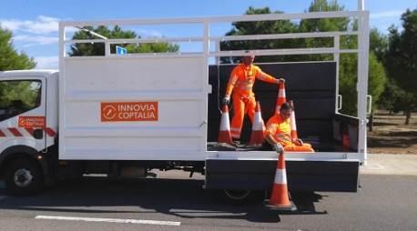 FURGCARRIL: Van adapted for highway maintenance lane closure operations